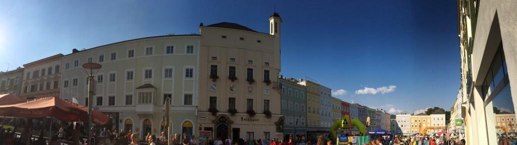 Panorama des Rieder Hauptplatzes